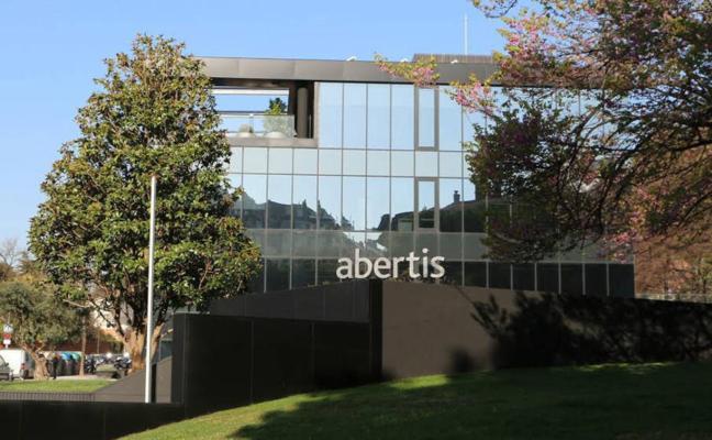 Abertis también decide mañana trasladar su sede fuera de Cataluña