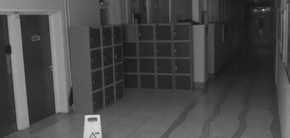 El vídeo de seguridad de un colegio muestra la presencia de un...¿fantasma?