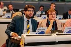 López Miras advierte de que nadie en Europa reconocerá «un régimen totalitario nacido de un golpe de Estado»