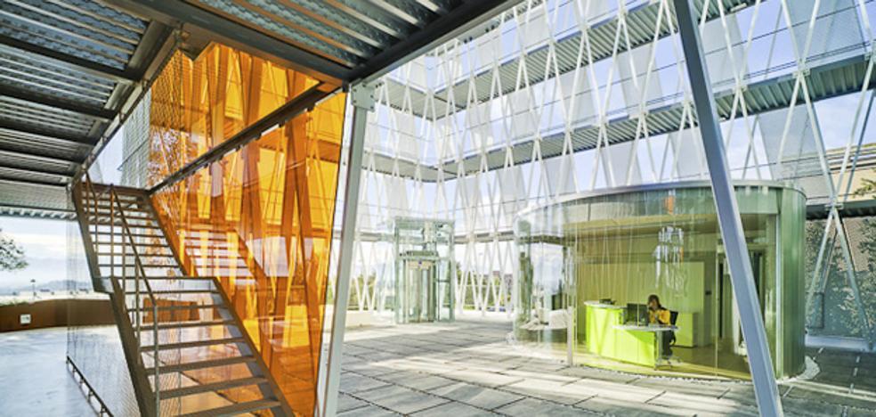 Vócali celebra sus diez años de trayectoria innovadora transformando su imagen