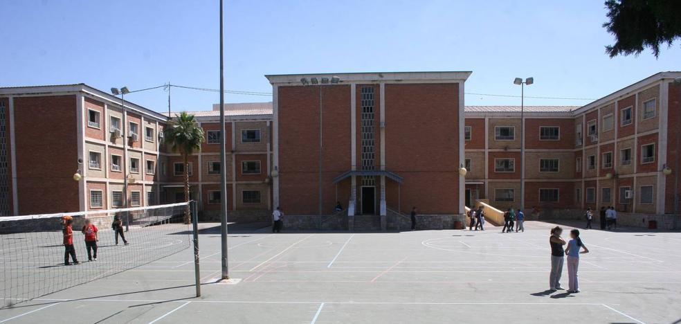 La Comunidad emite una «queja» a Andalucía por no informar sobre el profesor acusado de abusos sexuales