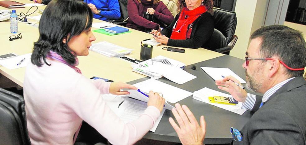 El PSOE quiere cerrar la sociedad Casco Antiguo y MC, mantenerla