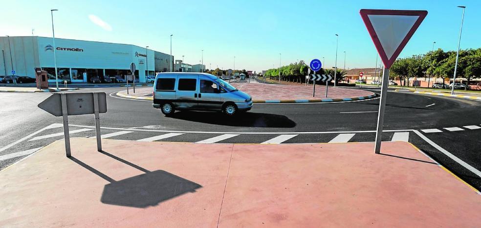 Los accesos al polígono de La Palma mejoran