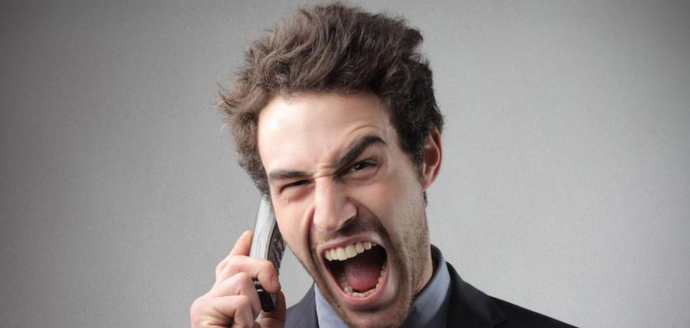 Alertan de un timo telefónico que utiliza como gancho el supuesto sorteo de un Mercedes