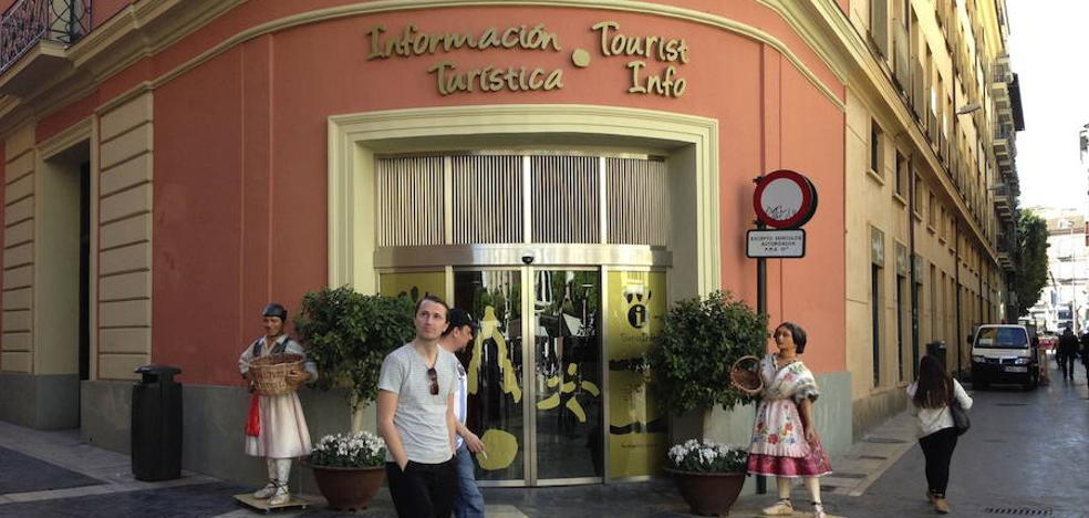 La adjudicataria de información turística gestionará al menos dos oficinas