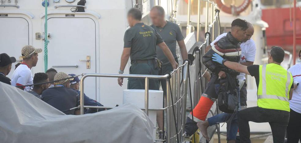 Rescatan a 81 personas de siete pateras frente a las costas de Cartagena