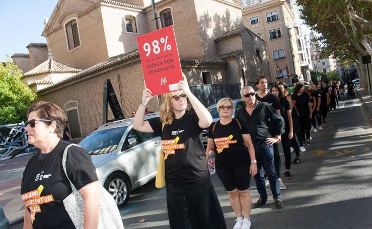 Marcha silenciosa contra la trata de de mujeres y niños con fines sexuales
