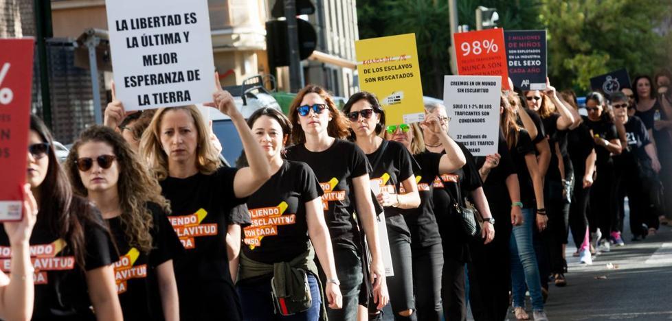 Marcha silenciosa contra la trata de mujeres y niños con fines sexuales