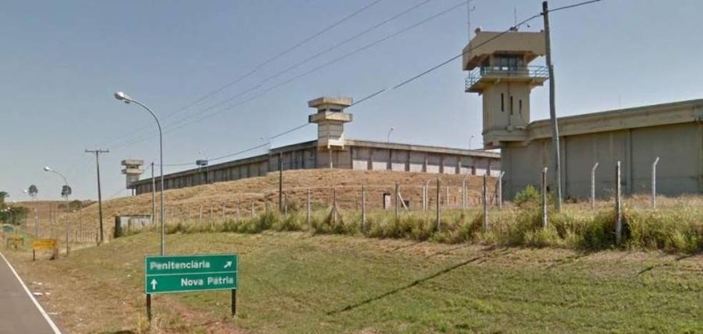 Muere un preso que se había tragado tres móviles