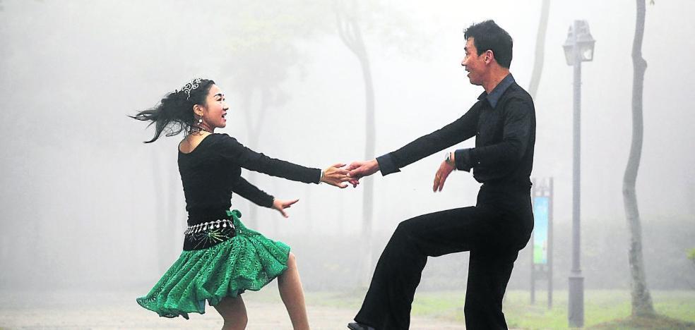 Bailando bajo la niebla