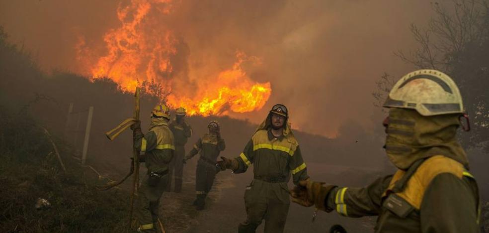 El Gobierno regional ofrece apoyo a Galicia y Asturias para la extinción de incendios