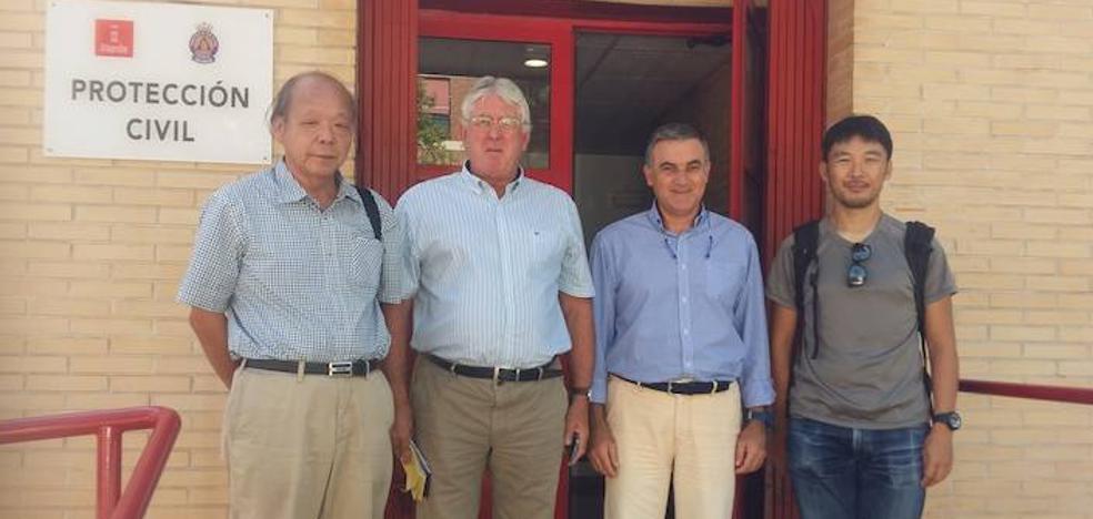 Dos expertos japoneses se interesan por el Estudio de riesgo sísmico del municipio de Murcia