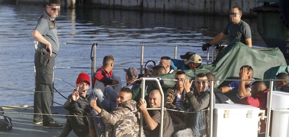 Podemos exige más cooperación para abordar el «drama» de la inmigración