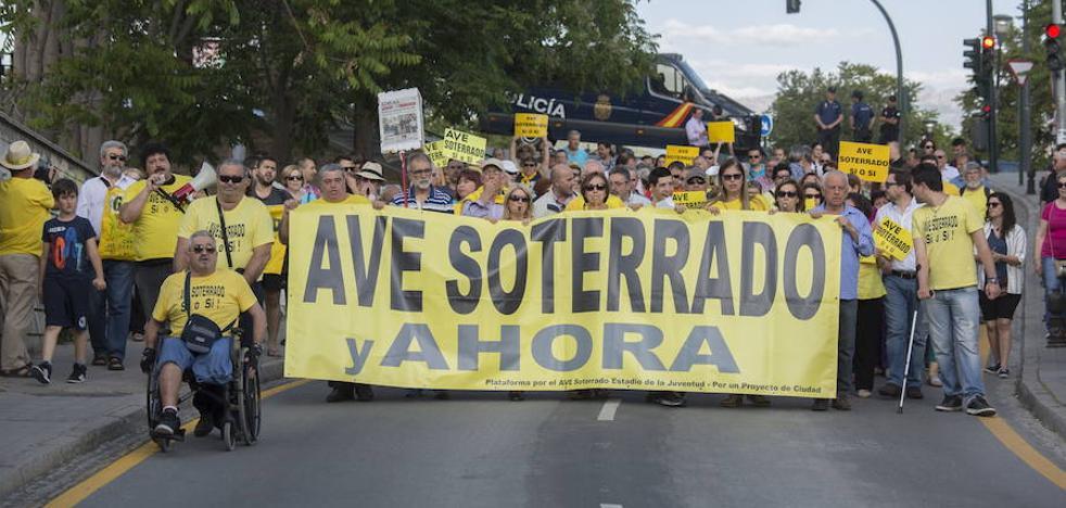 Granada pide al ministro fecha para el soterramiento del AVE «como en Murcia»