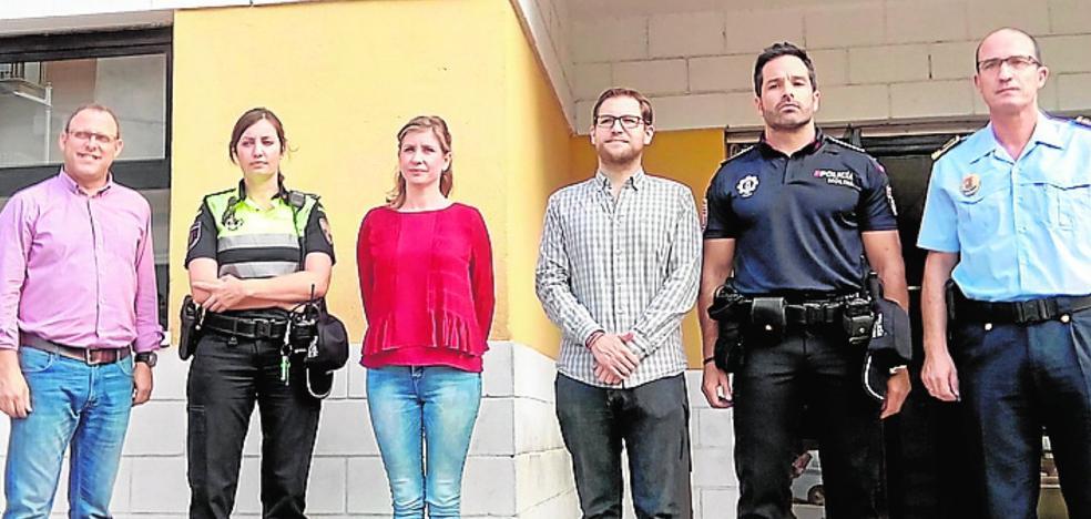 La Policía Local estrena uniformes más modernos