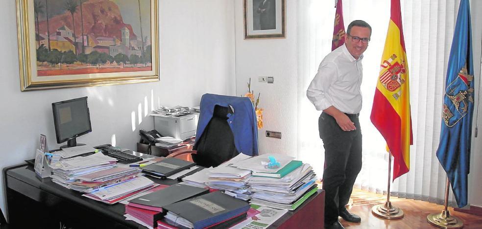 Conesa cita a los barones locales para exponerles sus planes sobre el PSOE