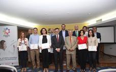 15 empresas murcianas reciben un distintivo por su compromiso con el empleo juvenil