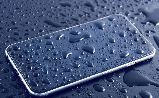 Denuncian a Apple por su iPhone 8 «resistente al agua»