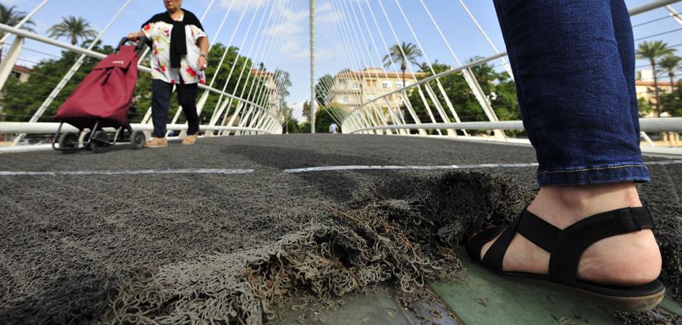 El puente de los tropiezos