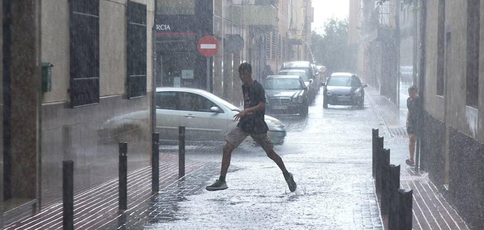 Las precipitaciones dejan en San Javier y Cartagena más de 10 l/m²