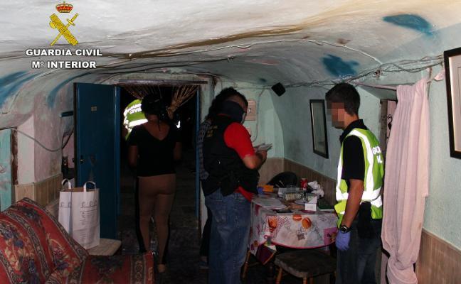 Detenidas tres guineanas por prostituir a compatriotas en unas casas cueva de Jumilla