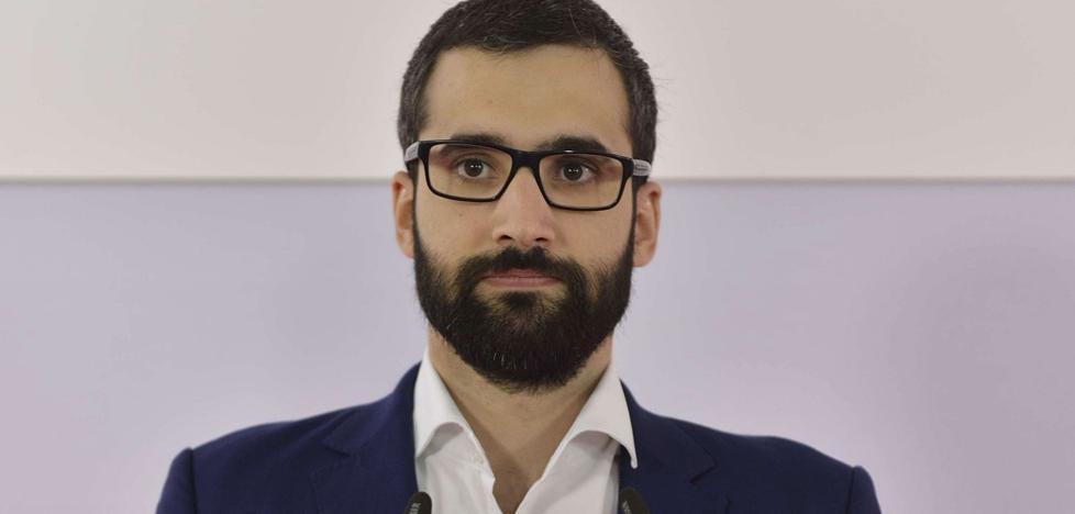 Diego Conesa refuerza el núcleo duro de la dirección con tres vicesecretarios