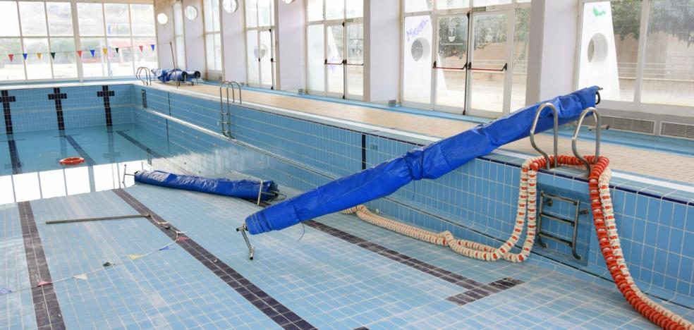 Unos actos vandálicos obligan a aplazar la apertura de la piscina climatizada