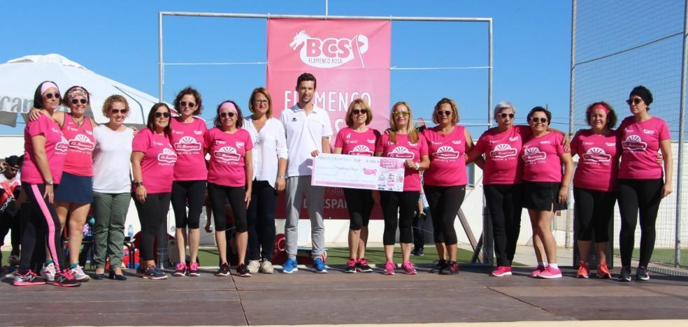 Entregan 500 euros al equipo Flamenco Rosa