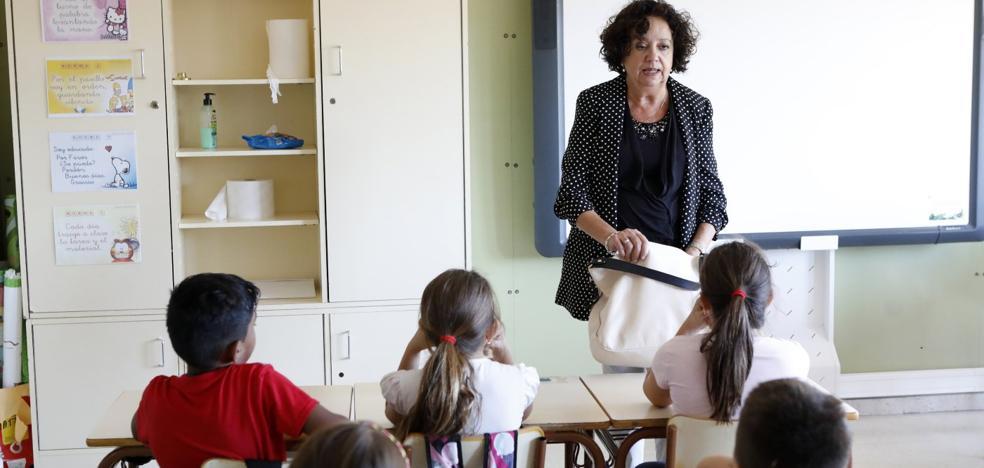 Los docentes jubilados podrán volver a las aulas para aportar su experiencia