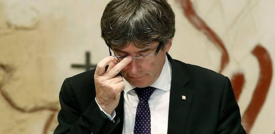 Puigdemont: «Una empresa no puede retener a sus clientes a la fuerza ni contra su voluntad»