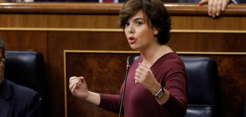El Gobierno insta a Puigdemont a pronunciarse en el Senado