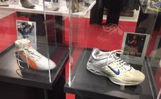 Las zapatillas de Fernando Alonso y Rafa Nadal en El Corte Inglés de Murcia