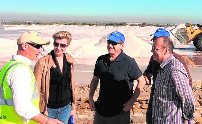 La cosecha de la sal arranca con una previsión de cien mil toneladas