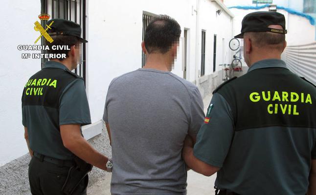 Detenido por cometer una docena de robos en viviendas vacacionales de Mazarrón