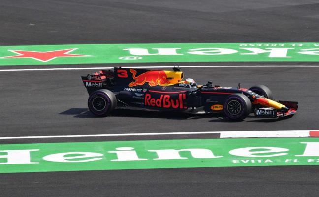 Entre Hamilton y Vettel… Red Bull