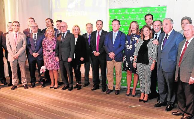 Transportes El Mosca recibe el premio a la mejor empresa familiar del año