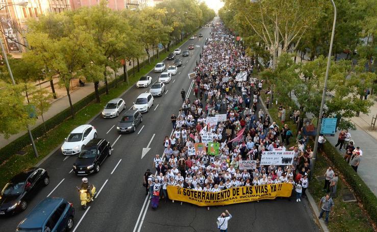 Miles de murcianos exigen a Fomento en Madrid el soterramiento