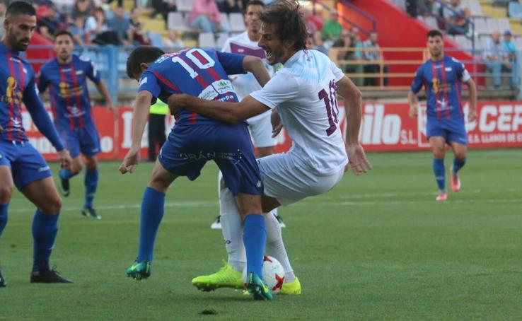 El Jumilla se queda sin premio, pese a su valentía ante el Extremadura (1-0)