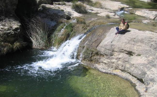 Más agua que nunca en el río Alhárabe