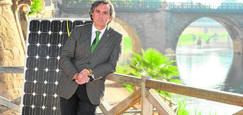«En Murcia podríamos ser el Kuwait de la fotovoltaica con los terrenos baldíos»
