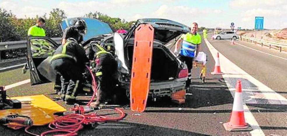 Una colisión de cuatro vehículos en la autovía, en Cieza, deja tres heridos