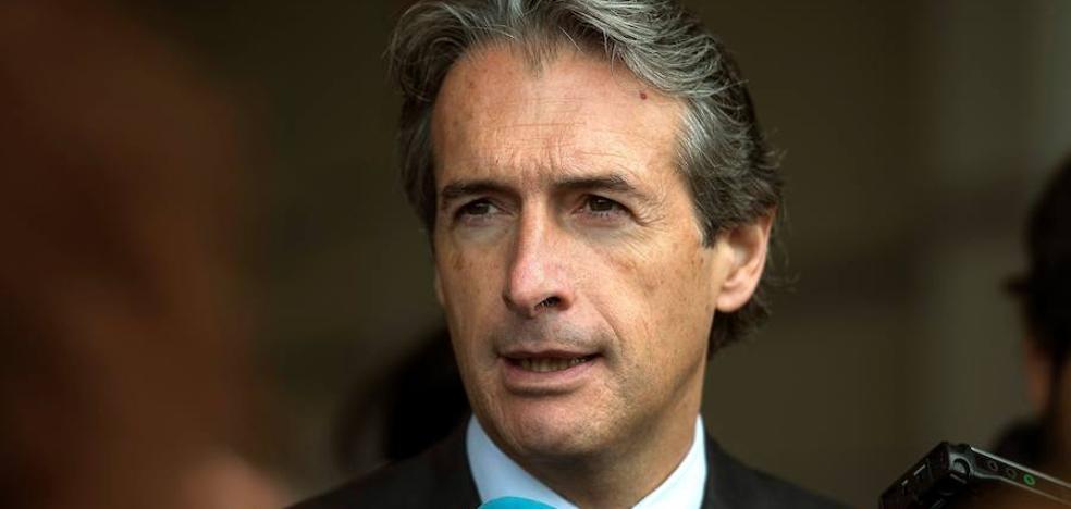 El ministro cree que Corvera será «rentable» y que deberá asumir los vuelos de San Javier