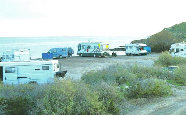 Multas de hasta 1.500 euros para las caravanas que acampen en las playas