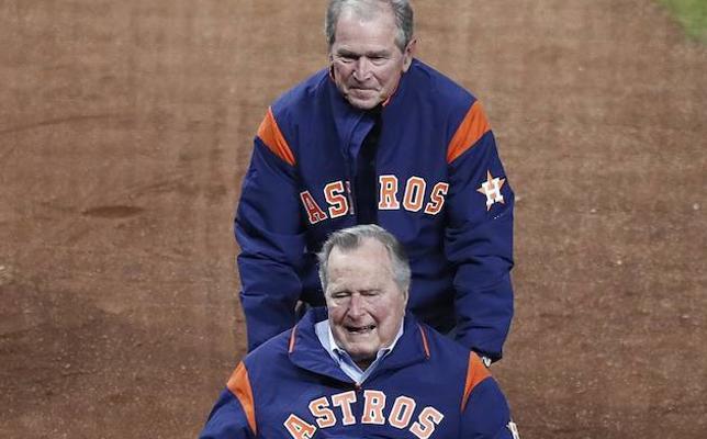 Bush padre dice que votó por Hillary Clinton