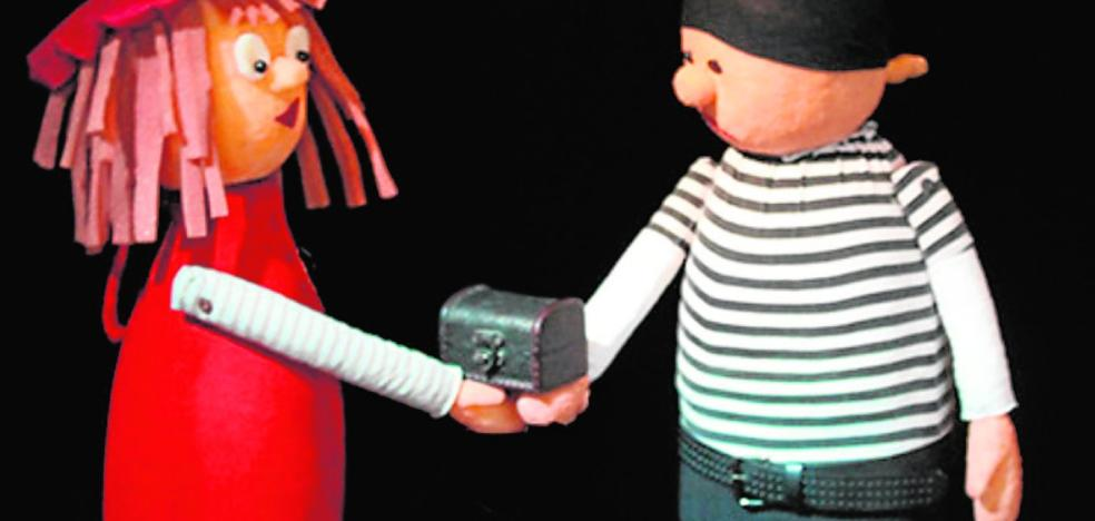 «Las marionetas crean un mundo propio en el que los niños entran; da igual la edad»