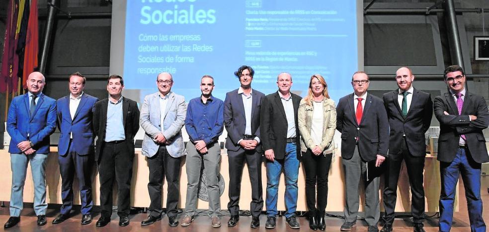 Jornada en la UMU sobre RSC y Redes sociales