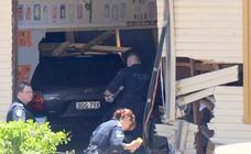 Dos niños mueren al estrellarse un coche contra un colegio en Sídney