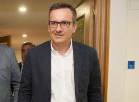 Conesa abre la vía a alcanzar acuerdos «al más alto nivel» con López Miras