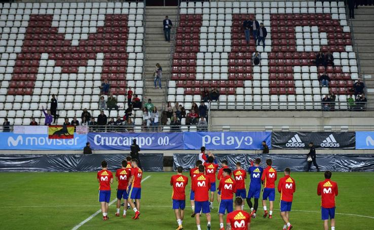 La selección española sub 21 entrena en la Nueva Condomina