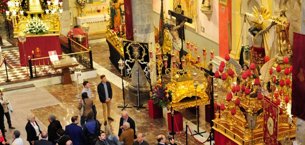 Un paseo en vídeo por los tronos de la histórica procesión del sábado en Murcia